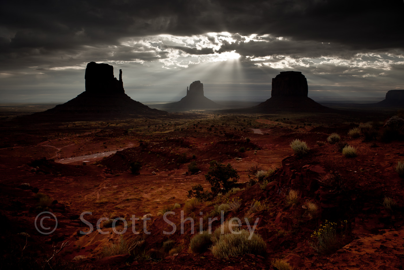 2769_the_mittens_monument_valley